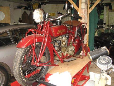 klassieke automobielen en motorfietsen te koop vintage